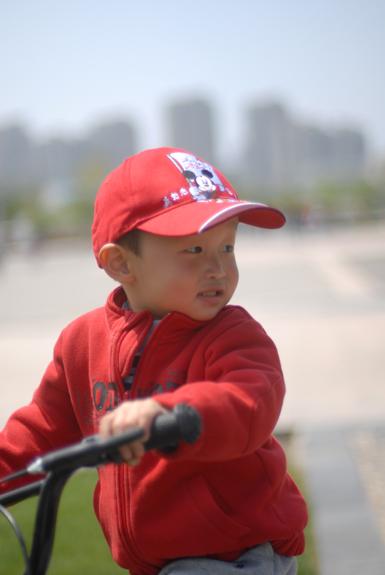 子云骑自行车